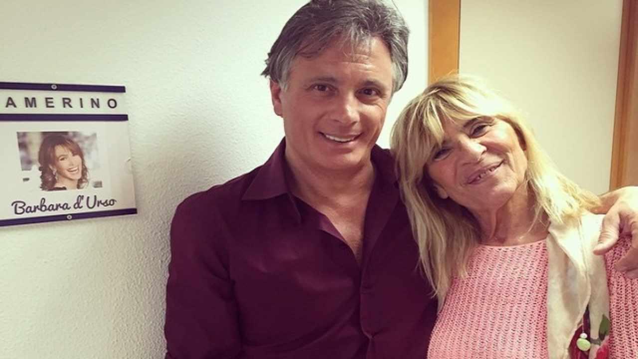 Giorgio Manetti ai tempi della relazione con Gemma Galgani, conosciuta a Uomini e Donne. I due posano davanti al camerino di Barbara D'Urso (foto Instagram).