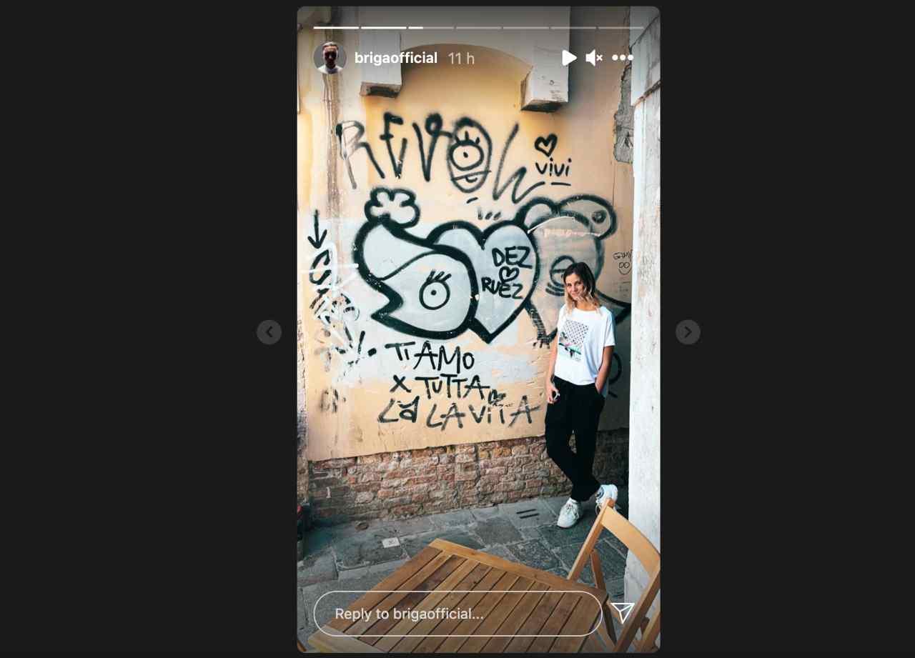 """La dedica sul muro: """"Ti amo per tutta la vita"""". Lo ha scritto Briga ad Arianna Montefiori? (fonte: Storie Instagram)."""