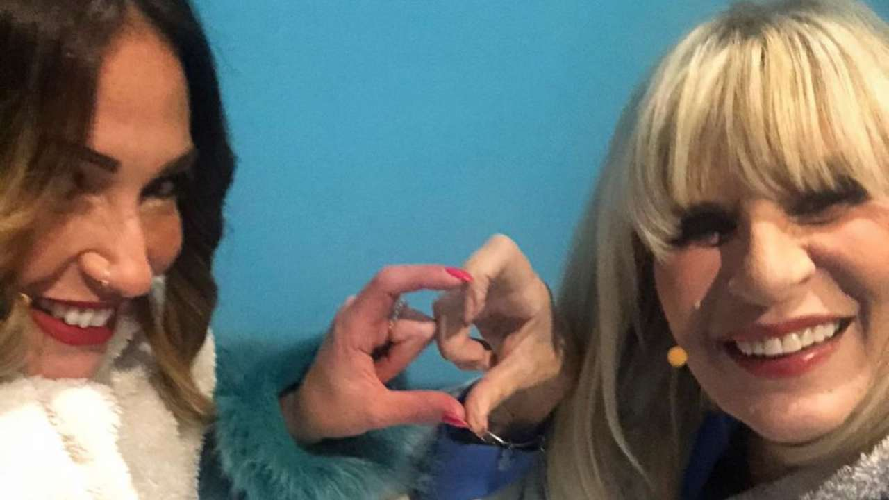 Amiche: Ida Platano e Gemma Galgani fuori a cena insieme (foto Instagram).