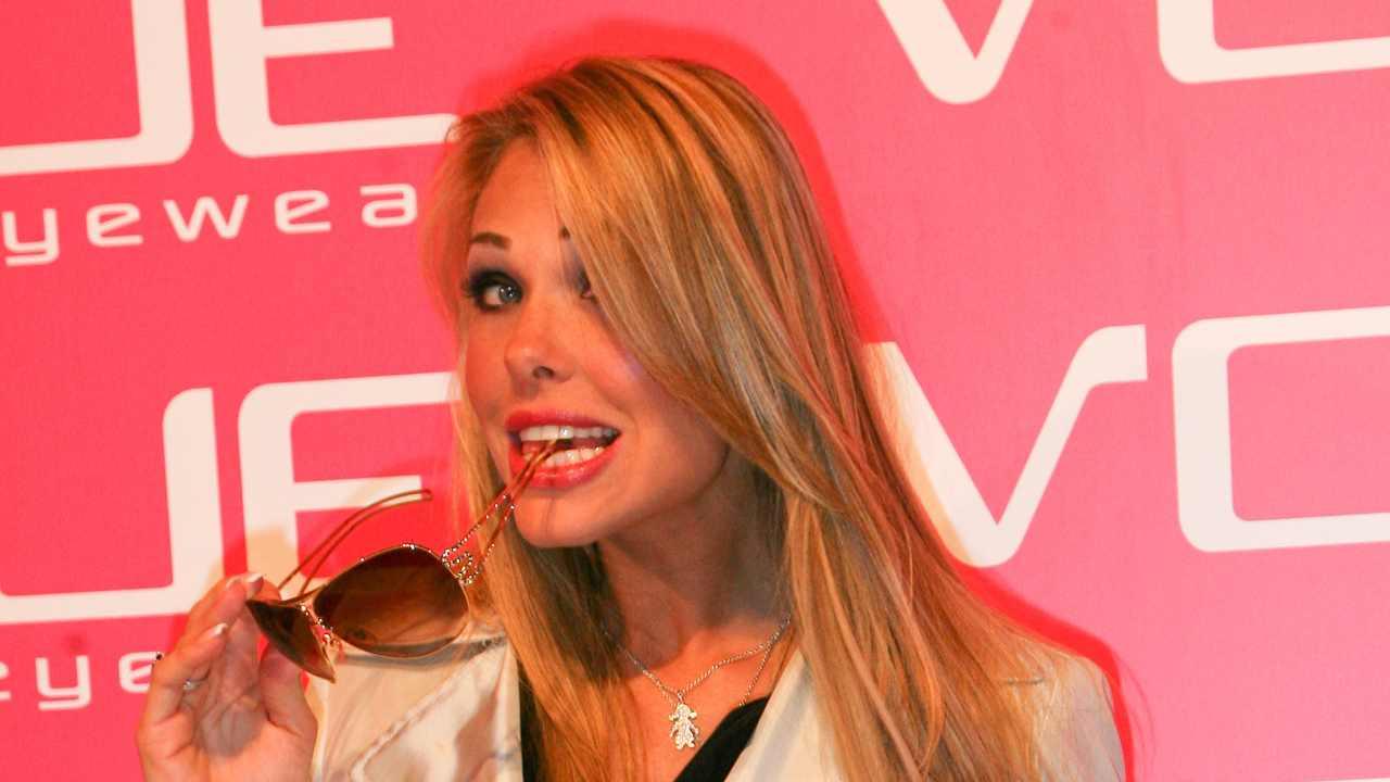La conduttrice Ilary Blasi al Vogue Eyewear Party di Milano, anno 2007 (foto di Giuseppe Cacace/ Getty Images).