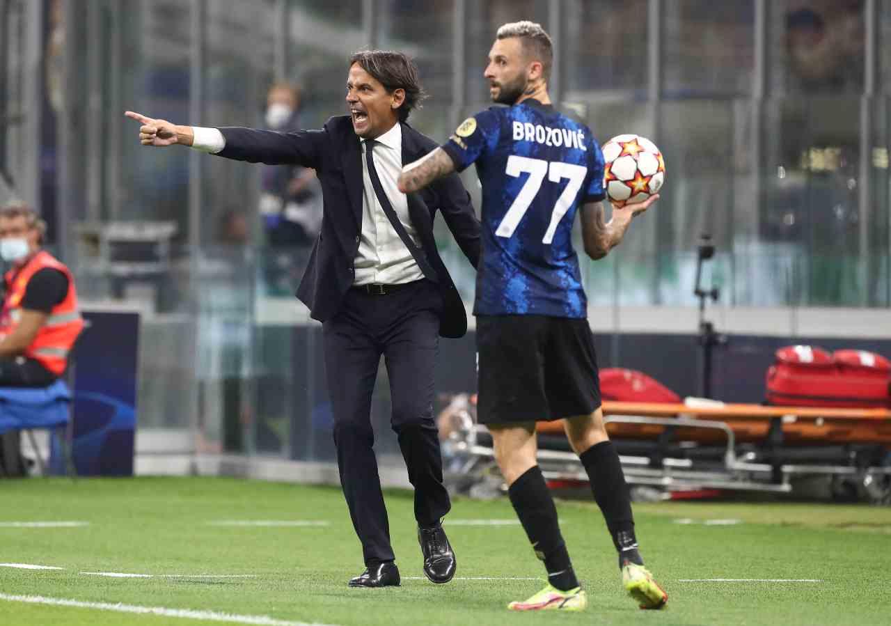 Inter-Real Madrid, Simone Inzaghi dirige la rimessa laterale di Brozovic (foto Getty Images).