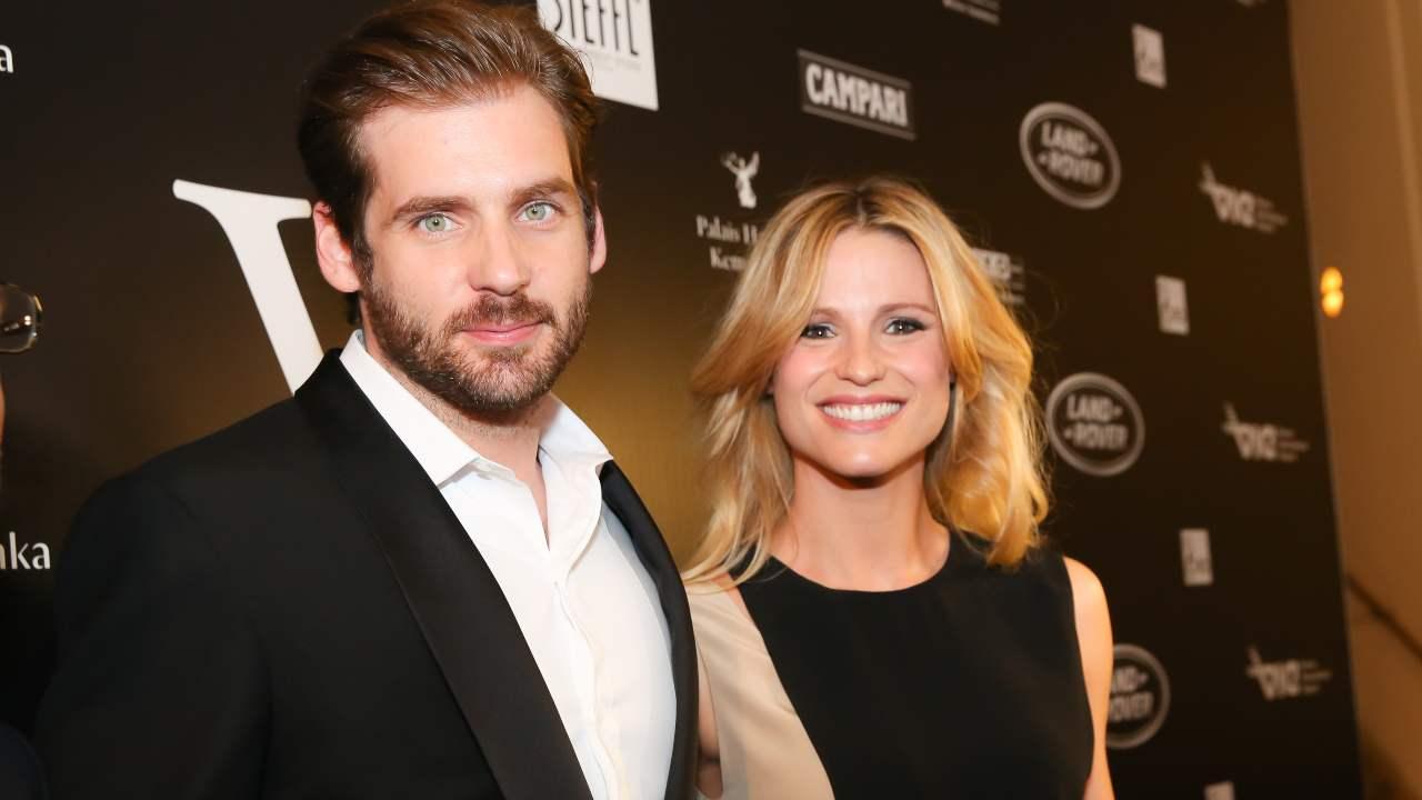 Vienna Awards 2014: Michelle Hunziker e Tomaso Trussardi al photocall dell'evento (foto di Moni Fellner/Getty Images).