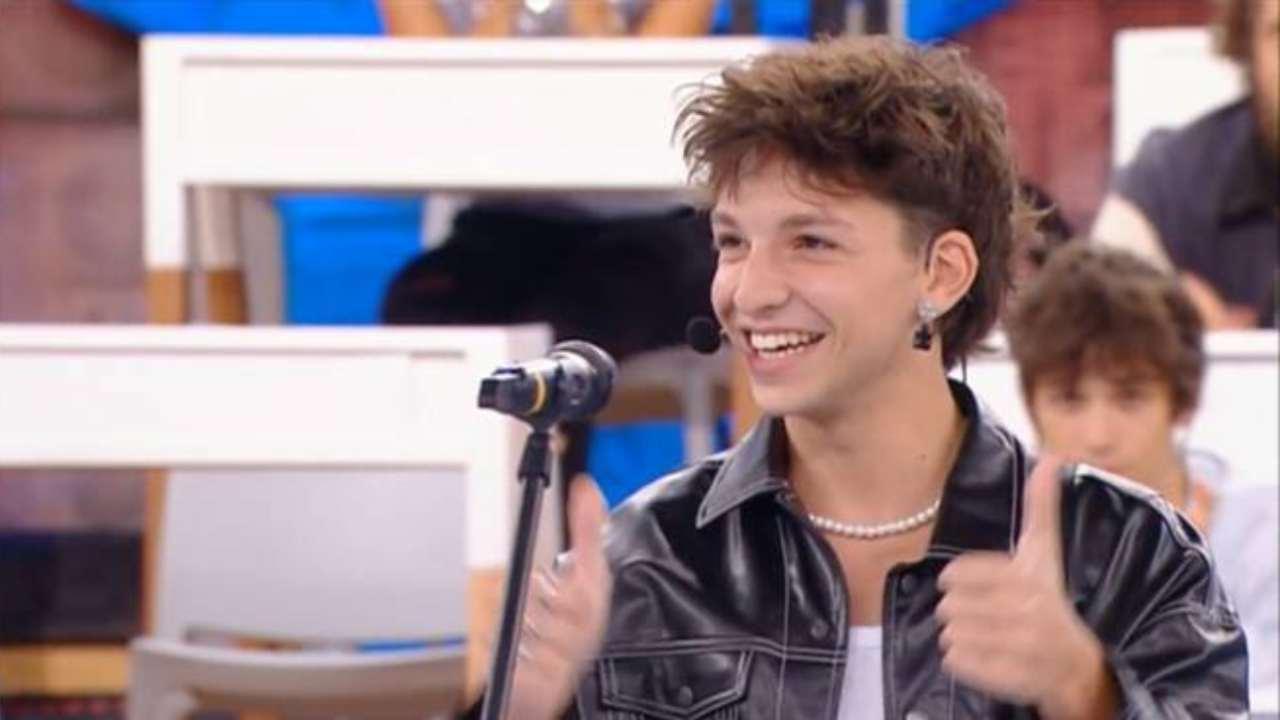 Uno dei concorrenti che stanno suscitando le maggiori curiosità del pubblico di Amici 21, Luigi (foto Mediaset).