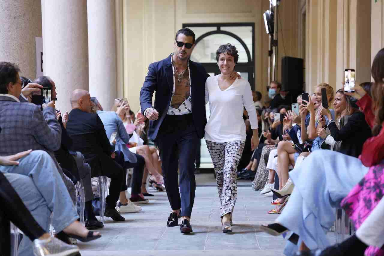 Milano Fashion Week primavera 2022. Fabrizio Corona diventa modello per Sophia Nubes (foto di Vittorio Zunino Celotto/Getty Images).
