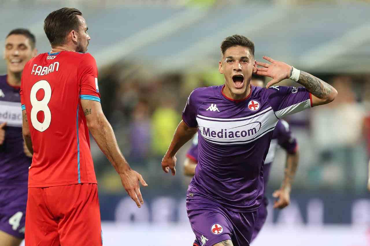 Fiorentina-Napoli, Lucas Martinez Quarta esplode di gioia per aver segnato la prima rete della gara. Serie A, 3 ottobre 2021 (foto di Gabriele Maltinti/Getty Images).