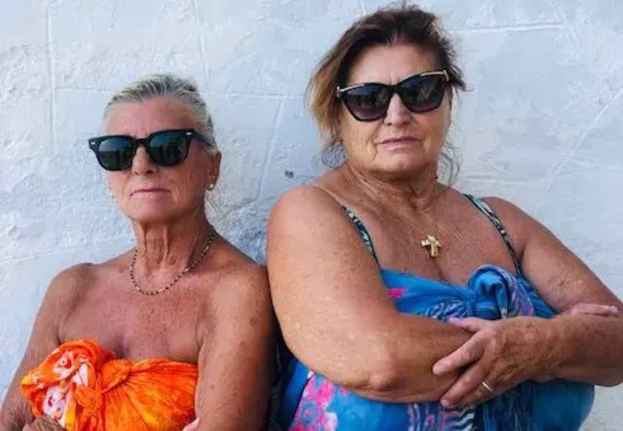 GF Vip 6, le opinioniste del popolo Maria e Rosella (foto Mediaset).