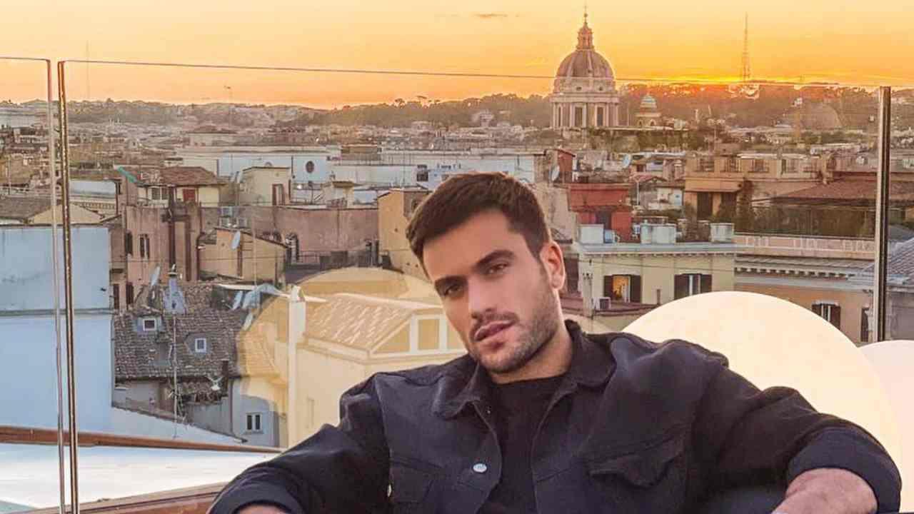 Roma, Pierpaolo Pretelli è incantato dalla bellezza della città (foto Instagram).