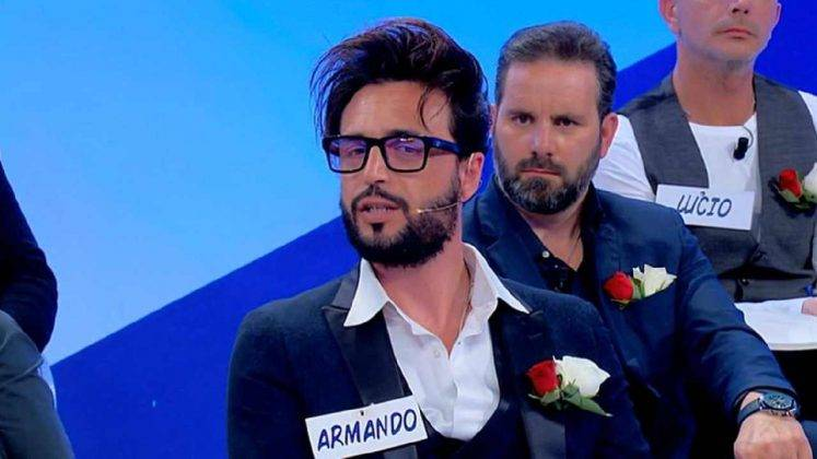 Un'altro dei recenti tagli di capelli sfoggiati dal protagonista del Trono Over di Uomini e Donne, Armando Incarnato (foto Mediaset).