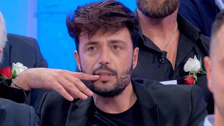 Uno dei numerosi tagli di capelli di Armando Incarnato. Lui ha smentito di essere vanitoso (foto Mediaset).