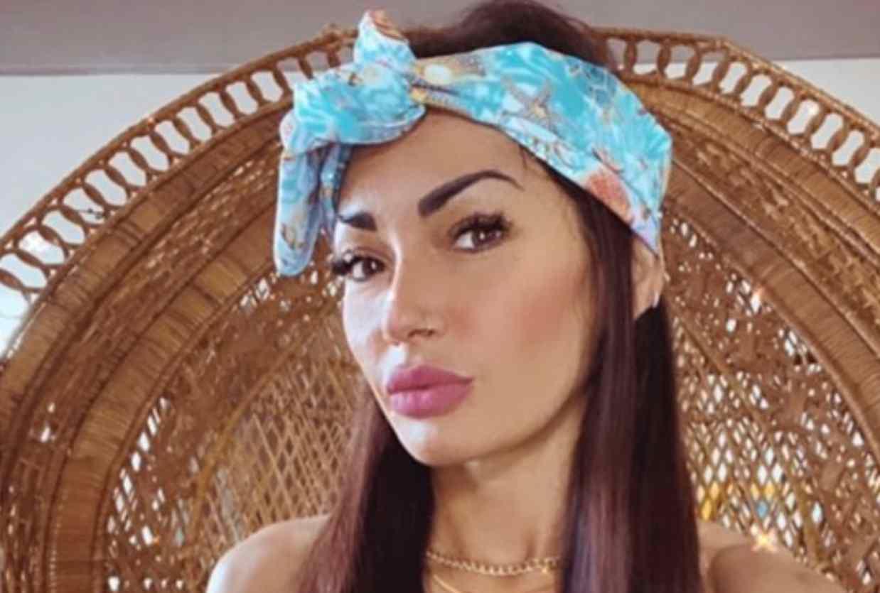 La protagonista del Trono Over Ida Platano (foto Instagram).