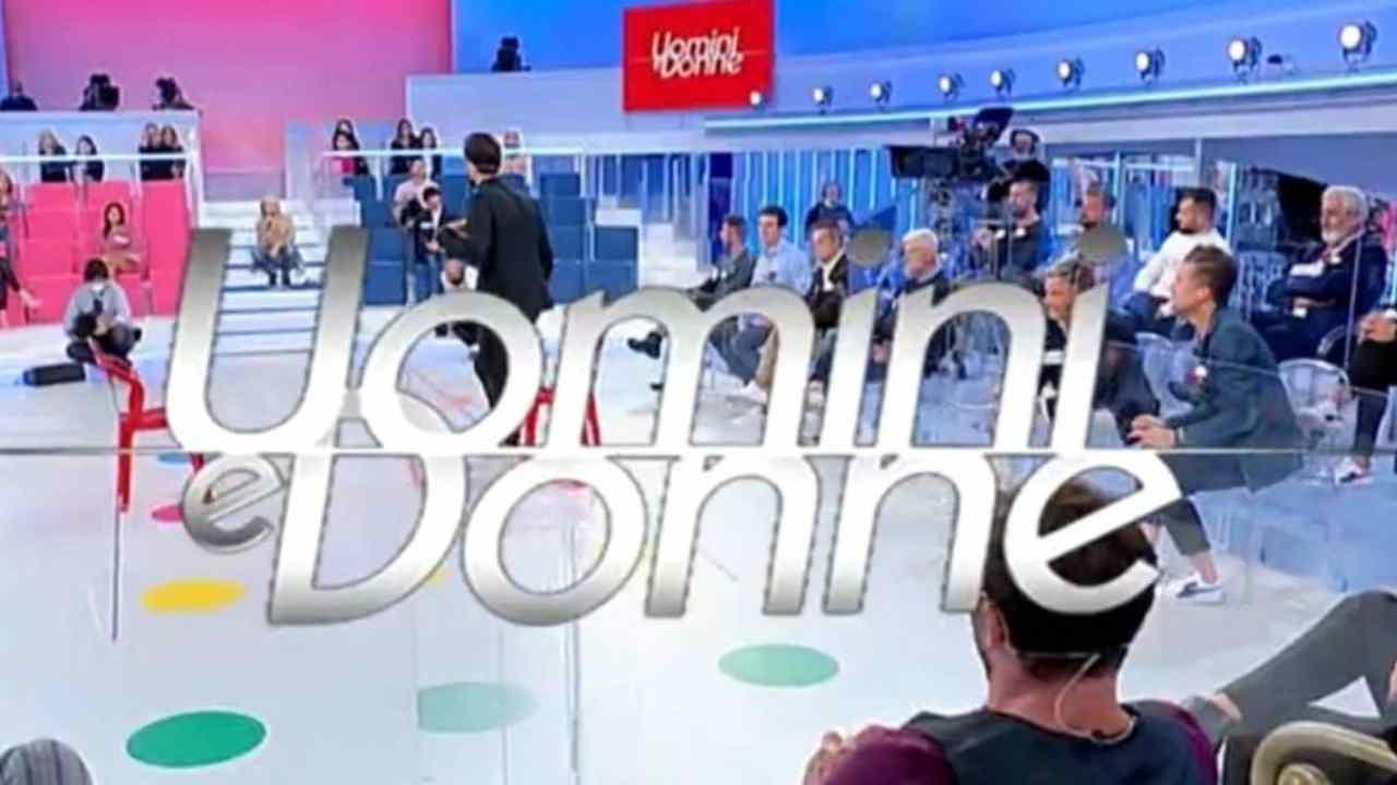 Uomini e Donne, la trasmissione condotta da Maria De Filippi (foto Mediaset).